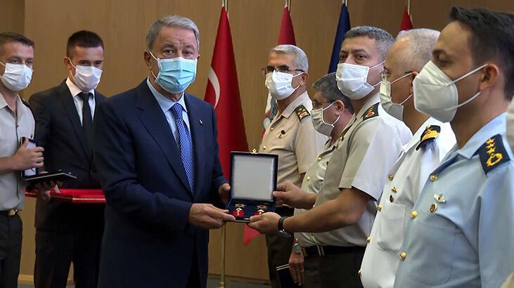 TSK'da terfi eden personele yeni rütbeleri verildi
