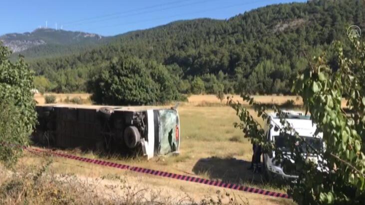 Muğla'da turistleri taşıyan otobüs ile öğrenci servisi çarpıştı! 1 ölü, 35 yaralı - Son Dakika Haberleri Milliyet
