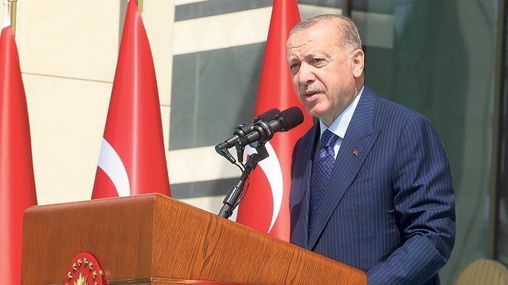 Güçlü Türkiye silüeti ufukta