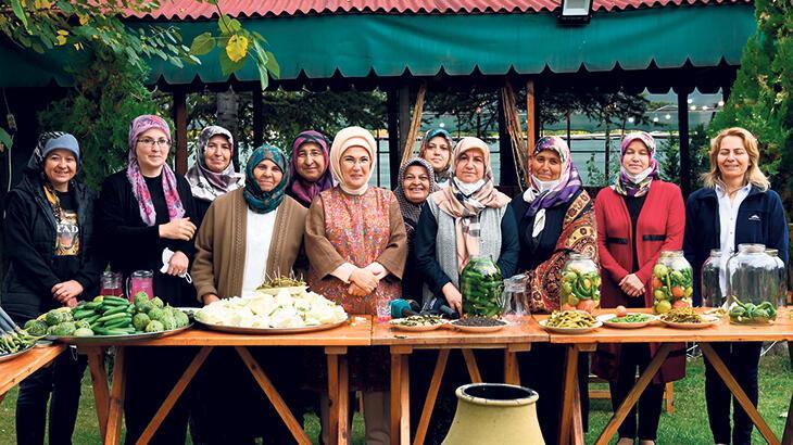 Emine Erdoğan, Çubuk'ta ilk turşusunu kurdu