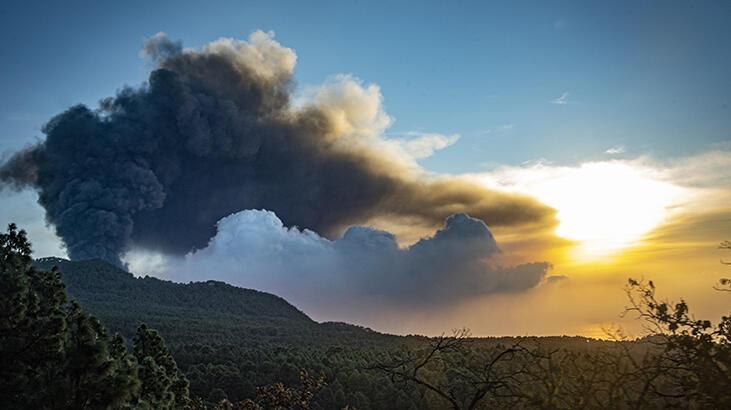 La Palma Adası'nda lavlar 2 binden fazla binayı kül etti thumbnail