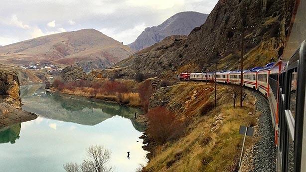 En iyi fotoğrafa 10 bin TL: Doğu Ekspresi treni kaçmaz