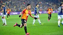 Kadıköy'de seri bitti! 4 gol, 3 kırmızı kart...