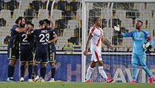 F.Bahçe Kadıköy'de kazandı! 3 gol ve kırmızı...