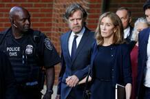 Ünlü oyuncu Felicity Huffman'a 14 gün hapis