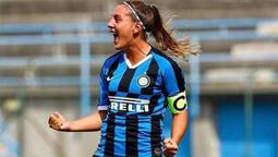 Inter'li kadın futbolcudan kaleciyi çaresiz bırakan gol!