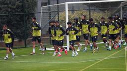 Fenerbahçe'nin Riva'daki kampı sürüyor! Koronavirüs testi yapıldı...