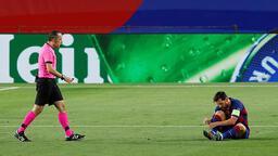 Barcelona - Napoli maçına Cüneyt Çakır damga vurdu! Katalan medyasından olay sözler...