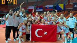 19 Yaş Altı Kız Voleybol Milli Takımı şampiyonluğu böyle kutladı!