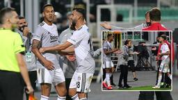 Son dakika - Denizlispor - Beşiktaş maçında kırmızı sonrası Josef çıldırdı! Şişeyi fırlattı...