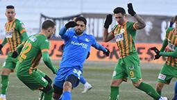 Erzurum'da 2 gol 1 kırmızı! Büyük şok...
