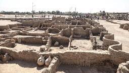 Mısır'da 3 bin yıllık antik kent bulundu