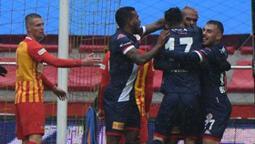 Antalya deplasmanda 3 puanı 1 golle aldı