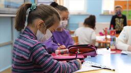 Okullar kapanacak mı sorusuna Bakan Özer'den yanıt! Yüz yüze eğitim sona erecek mi?
