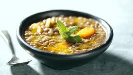 Balkan yöresinin vazgeçilmez tarifi: Çene çarpan çorbası