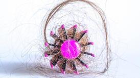 Kadınlarda saç dökülmesi neden olur? Saç dökülmesine karşı çözüm!