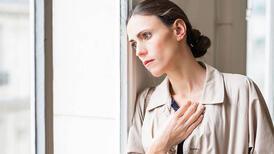 Kadınlara kendini depresif hissettiriyor: PMS ve PMDD sendromu