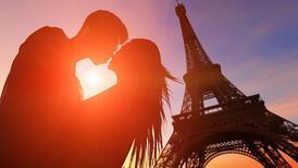 Paris'te Sevgililer Günü geçirmek