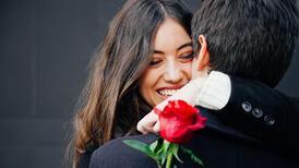 Mükemmel Sevgililer Günü görünümü için 4 güzellik ipucu