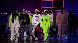 Londra Moda Haftası: Tommy Hilfiger ve co-pilotu Lewis Hamilton