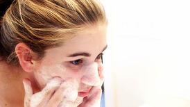 Yüz yıkarken farkında olmadan sıklıkla yapılan hatalar