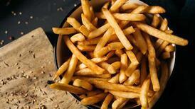 Kızarmış patates tekrar nasıl ısıtılır? Yeniden çıtır kalmaları için...