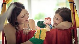 Çocuklar normalleşirken ebeveynler panik mi yaşıyor?