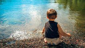 2 yaş sendrom değil, keşif ve ayrışma dönemidir