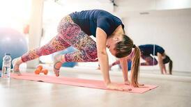 Regl döneminde krampları hafifleten egzersiz önerisi