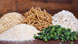 Bu yiyecekler hem kilo verdiriyor hem de tok tutuyor! İşte bol miktarda lif içeren 22 besin
