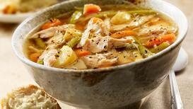 Soğuk kış günlerinin vazgeçilmezi tavuk suyu çorba gençleştiriyor!