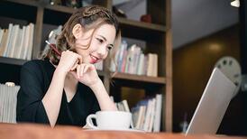 Görüntülü yapılan online toplantıda şık olmanın yolları