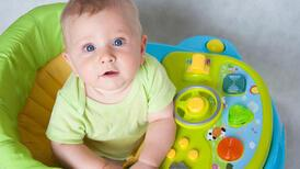 Bebeklerde yürüteç kullanmak zararlı mı?