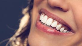 Gülümseyerek özgüveninizi artırmanın 5 yolu