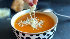 İftar sofralarına layık domates çorbası tarifi