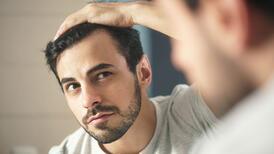 Kovid-19 ve saç dökülmesi
