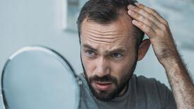 Saç dökülmesi psikolojinizi etkileyebilir!