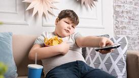 Büyünce kilo verir diye düşünmeyin! Her 3 obez çocuktan 1'i...