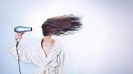 Saça Kına Nasıl Yakılır? Saçta Kına Ne Kadar Durur?