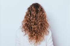 Saç Nasıl Kıvırcık Yapılır? Saçlar Nasıl Kıvırcık Forma Sokulur?