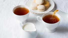 Sütlü çay ve diş renklenmeleri