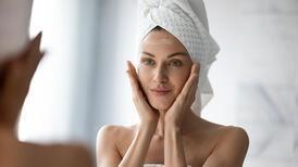 Yüzünüzü neden duşta yıkamamalısınız?
