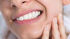 Sağlıklı gıdalar dişleri olumsuz etkiler mi?