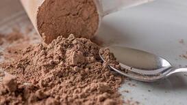 Daha kaslı bir vücut için protein tozu tüketmek sağlıklı mı?