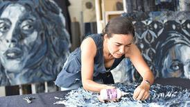 Atıklardan sanat yaratıyor