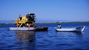 Konya'dan yola çıktı! Su üstünde taşıyorlar