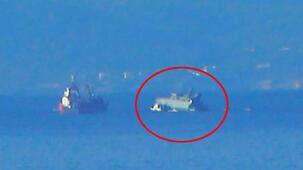 Yunan savaş gemisi battı! Canlı yayına geçtiler...