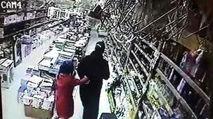 Deprem anı kamerada! Vatandaşlar böyle kaçtı