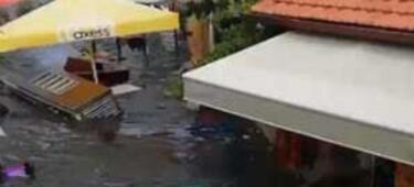 İzmir'de tsunami! Dikkat çeken görüntüler