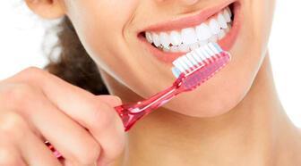 Diş fırçalamak oruç bozar mı?